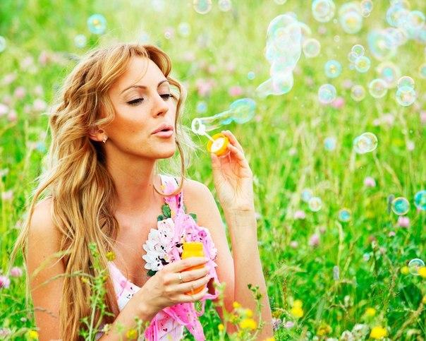 фото девушки летом на природе